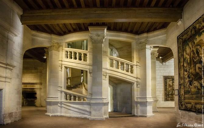 Escalier à double révolution du château de Chambord