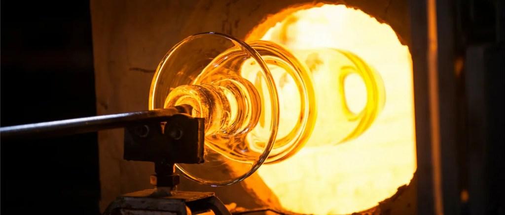 Atelier du chaud de la cristallerie Saint-Louis