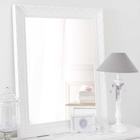 Valentine Miroir en bois de paulownia blanc H 90 cm Le miroir en bois blanc VALENTINE.79,99 €