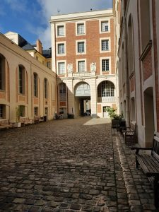 Bibliothèque Centrale de Versailles - La cour