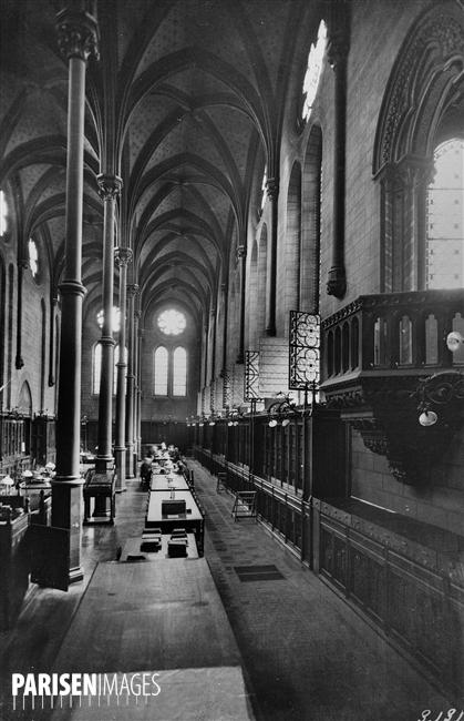 Intérieur de la bibliothèque des Arts et Métiers