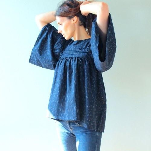 Patron de couture blouse bleue nekkar