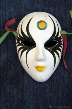 http://www.todocoleccion.net/vintage/3-mascaras-escayola-14-12-7cm~x45674840