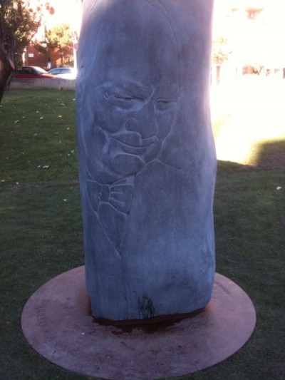 Barcelona inaugura un 'pipi can' en honor de Churchill