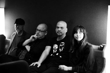 Pixies. Tenement Song. Nuevo tema. Video Nuevo. Head Carrier. Cúsica Plus
