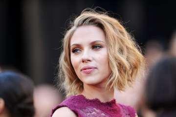 Scarlett Johansson. Sugar for Sugar. Bizarre Love Triangle. New Order. The Time is Now. Cúsica Plus