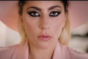 Videos de la Semana: Lady Gaga, Metronomy, Apache, Somalunar, Mac Miller, Ariana Grande, Chronixx, Robyn, Bastille. Cusica Plus