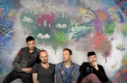 "Coldplay estrena el video de ""Amazing Day"" con grabaciones hechas por sus seguidores. Cusica Plus"