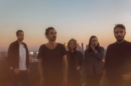 Local Natives estrena sencillo y versión de Fleetwood Mac. Cusica plus