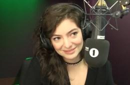 """Lorde se parodia a su misma con versión de """"Green Light"""". Cusica plus"""