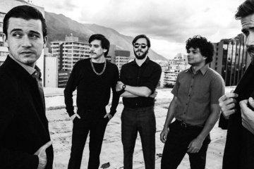 """Los Mesoneros estrena otro sencillo titulado """"Mientras"""". Cusica plus"""