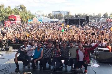 Okills toca a casa llena en el Vive Latino. Cusica plus