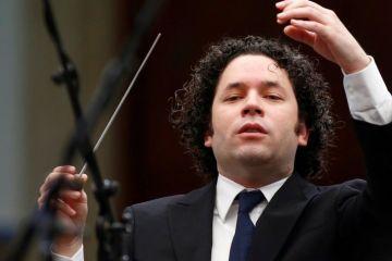 """Gustavo Dudamel: """"No se puede imaginar cómo me duele mi país"""". Cusica Plus."""