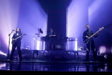 "The XX presentó ""Dangerous"" en vivo en el programa de Jimmy Kimmel. cusica plus."