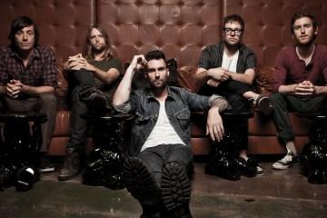Maroon 5 pide ayuda a Julia Michaels para su nuevo sencillo. Cusica Plus.
