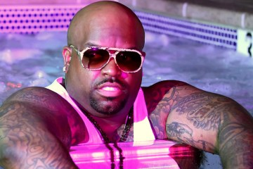 "Cee Lo Green nos regala su versión de ""Baby It's Cold Outside"" para navidad. Cusica Plus."