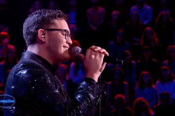 El venezolano Yadam Andrés conquista al público francés con su voz. cusica plus.