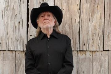 Willie Nelson tuvo que cancelar varios conciertos por dificultades respiratorias. Cusica Plus.