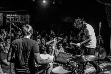 Death From Above muestra su explosivo sonido en vivo en 'House Of Strombo'. Cusica Plus.