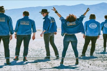 "Arcade Fire comparte el video de los temas ""Money"" y ""Love"". Cusica Plus."