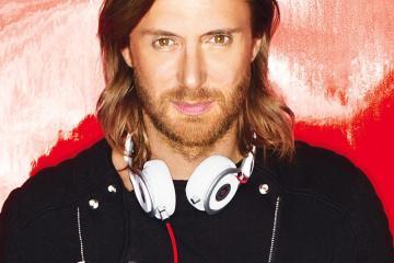 "David Guetta, Sean Paul y Becky G suman EDM y reggaeton en ""Mad Love"". Cusica Plus."