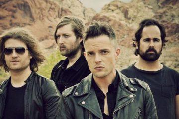 """The Killers toca """"Wonderwall"""" luego de que Liam Gallagher tuviese que cancelar su concierto. Cusica Plus."""