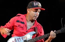 Tom Morello de Rage Against the Machine reclutó a varios artistas y productores. Cusica Plus.