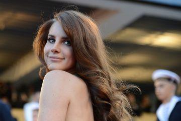 """Lana Del Rey reaparece con el tema de nueve minutos """"Venice Bitch"""". Cusica Plus."""