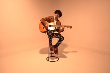 "Micro TDH estrena videoclip oficial de ""Bésame Sin sentir"". Cusica Plus."
