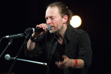 "Thom Yorke y su piano nos dejan una versión melancólica de ""Everything In Its Right Place"". Cusica Plus."