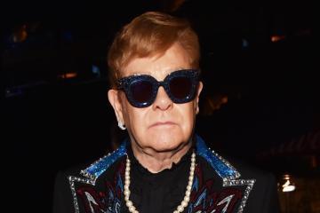 """Elton John interpretó """"Young Dumb & Broke"""" de Khalid en un nuevo Spotify Singles. Cusica Plus."""