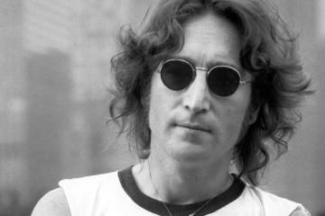 'Nowhere Boy' la película biográfica de John Lennon, será ahora un musical. Cusica Plus.