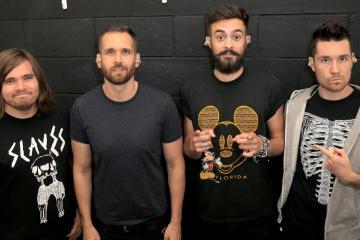 """Bastille publica el nuevo tema """"Joy"""" de su próximo disco. Cusica Plus."""