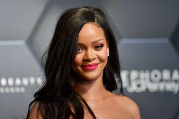 Rihanna hace historia, al crear su marca de lujo junto al conglomerado LVMH. Cusica Plus.