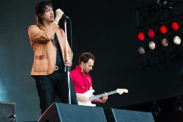 "The Strokes estrenó nuevo tema en vivo titulado ""The Adults Are Talking"". Cusica Plus."