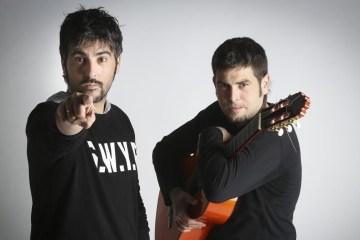 """Estopa vuelve entre palmas y guitarras con el tema """"Fuego"""". Cusica Plus."""