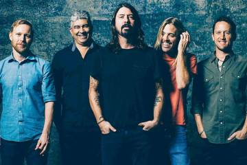 Foo-Fighters-Cusica-Plus