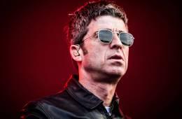 Noel Gallagher intenta que bailemos con su EP ' Black Star Dancing'. Cusica Plus.