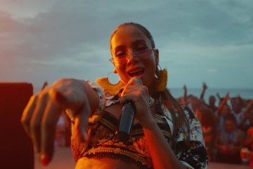 "Ve el videoclip del tema ""Make It Hot"" de Anitta y Major Lazer. Cusica Plus."