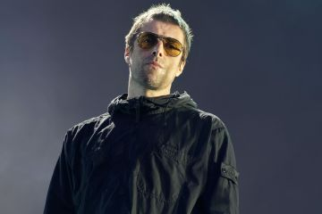 "Liam Gallagher mantiene vivo el sonido de Oasis con ""Shockwave"". Cusica Plus."