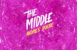 Andrés Puche de Holy Sexy Bastard, estrena su tema solista 'The Middle'. Cusica Plus.