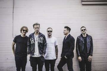 One Republic llega con el nuevo tema 'Somebody To Love'. Cusica Plus.