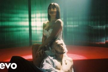C. Tangana y Paloma Mami conquista la sensualidad en el tema 'No te debí besar'. Cusica Plus.