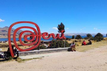 Perú expulsa a tres integrantes de la agrupación Los Adolescentes. Cusica Plus.