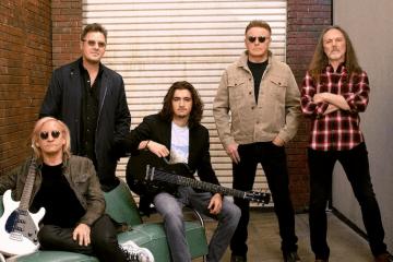 The Eagles anunció el 'Hotel California Tour' - Cúsica Plus