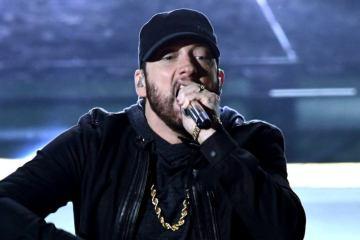 Eminem se presentó por primera vez en los Oscars, luego de ser premiado 17 años atrás. Cusica Plus.