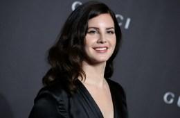 Lana Del Rey confirmada para el Festival Glastonbury 2020. Cusica Plus.