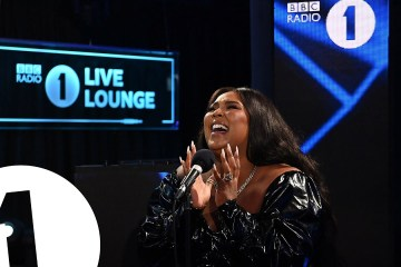 Lizzo versionó el tema 'Adore You' de Harry Styles en el Live Lounge de la BBC Radio 1. Cusica Plus.