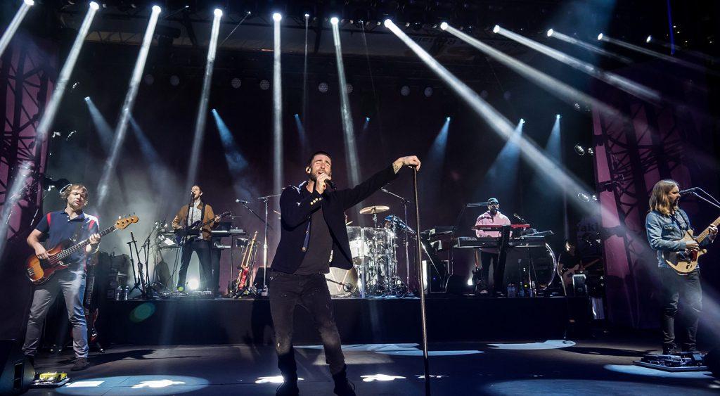 Maroon 5 rindió homenaje a Kobe Bryant con el tema 'Memories'   CusicaPlus
