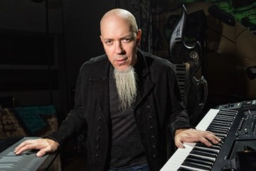 Jordan Rudess, tecladista de Dream Theater, comparte jamming con Jorge Glem. Cusica Plus.